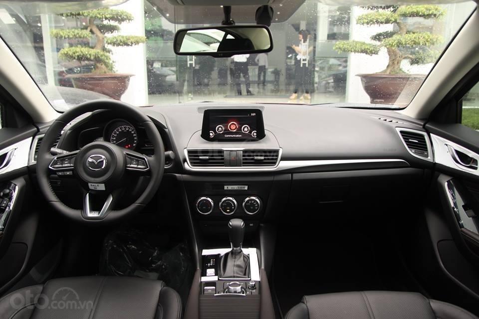 Mazda Long Biên- giá xe Mazda 3 tháng 11 khuyến mại lên đến 70 triệu- hỗ trợ vay trả góp lãi suất 0% (6)