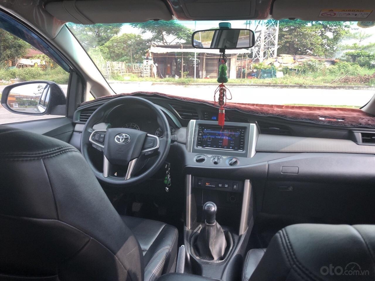 Bán Toyota Innova 2.0E năm 2017, xe trang bị đầy đủ bán lại giá 660 triệu (6)