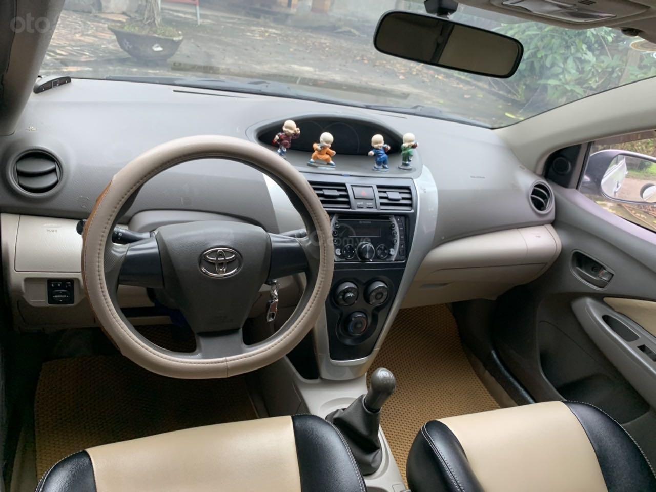 Lên đời bán xe Toyota Vios 2012, màu bạc như mới (2)