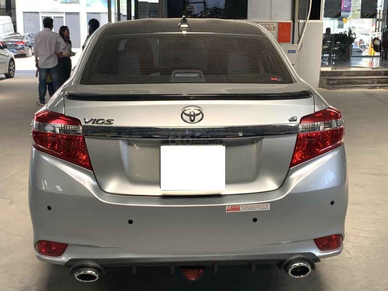 Hãng bán Toyota Vios G 1.5AT, đời 2017, màu bạc, biển Sài Gòn (3)