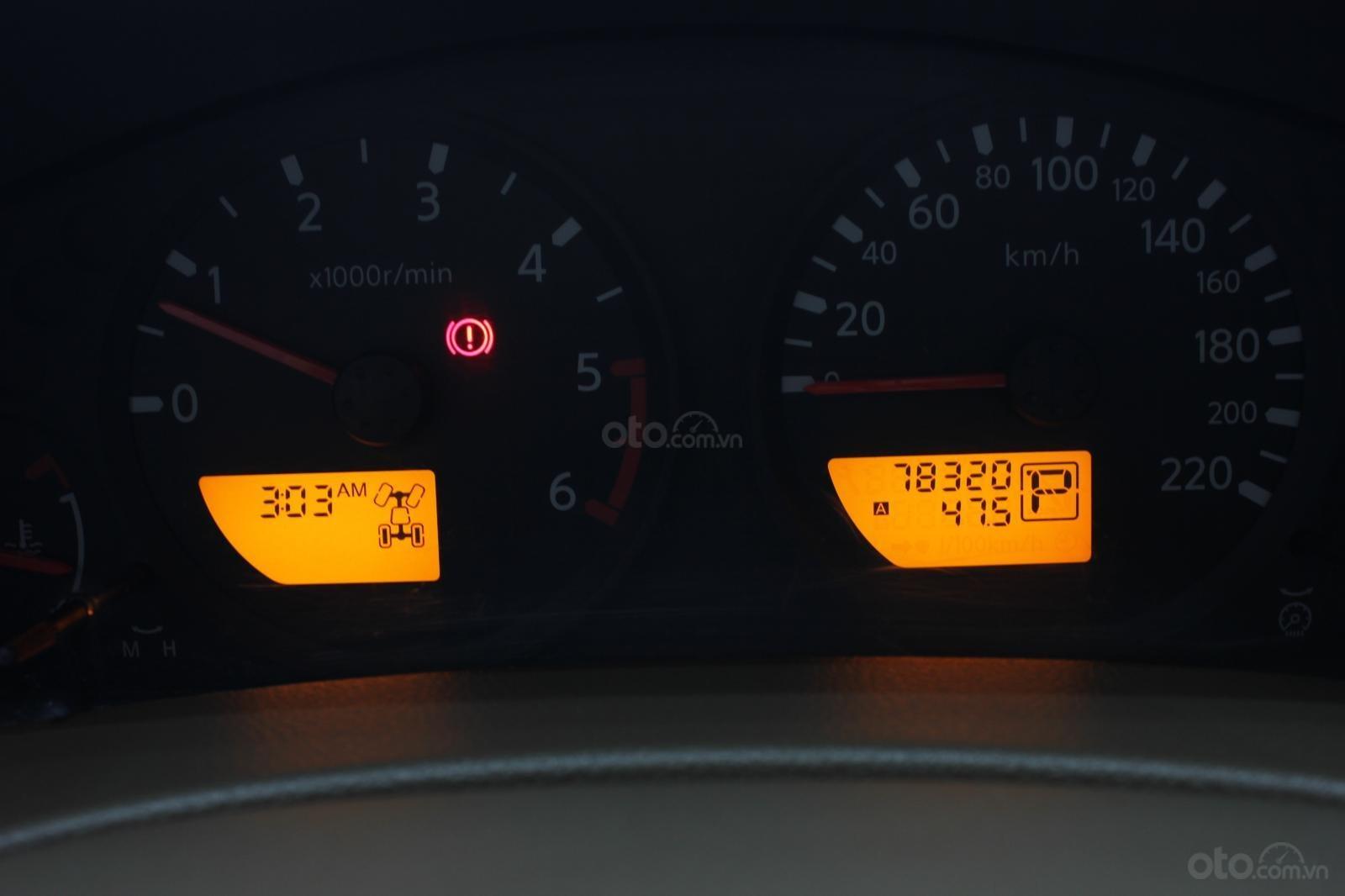 Cần bán Nissan Navara 2.5AT biển Sài Gòn nhập Thái đời 2013, màu xám (ghi), xe nhập (10)