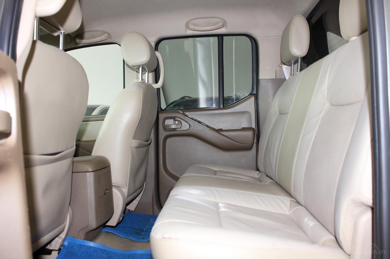 Cần bán Nissan Navara 2.5AT biển Sài Gòn nhập Thái đời 2013, màu xám (ghi), xe nhập (11)