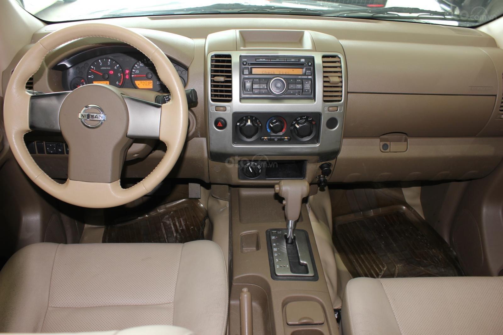 Cần bán Nissan Navara 2.5AT biển Sài Gòn nhập Thái đời 2013, màu xám (ghi), xe nhập (13)