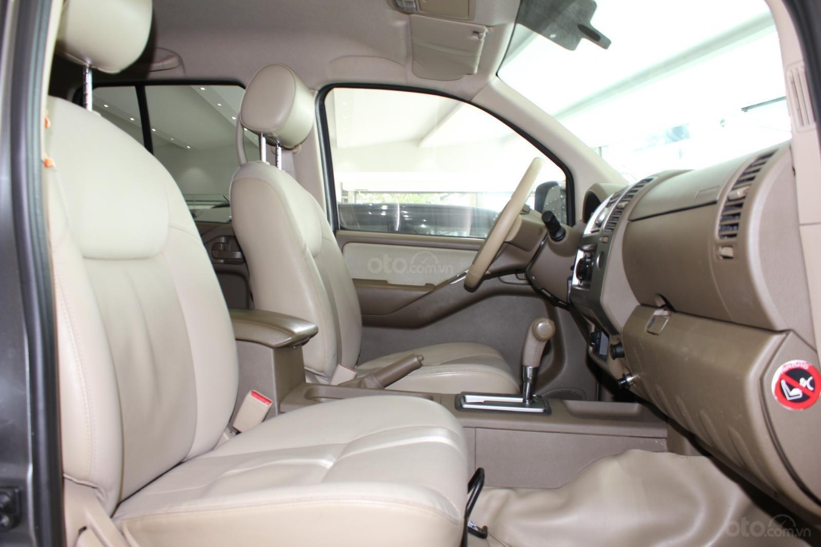 Cần bán Nissan Navara 2.5AT biển Sài Gòn nhập Thái đời 2013, màu xám (ghi), xe nhập (15)