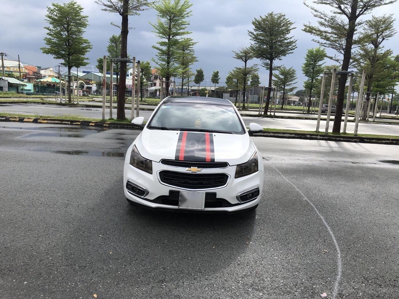 Bán Chevrolet Cruze 1.6LS sản xuất 2016, màu trắng xe nhà bán lại 378 triệu (1)