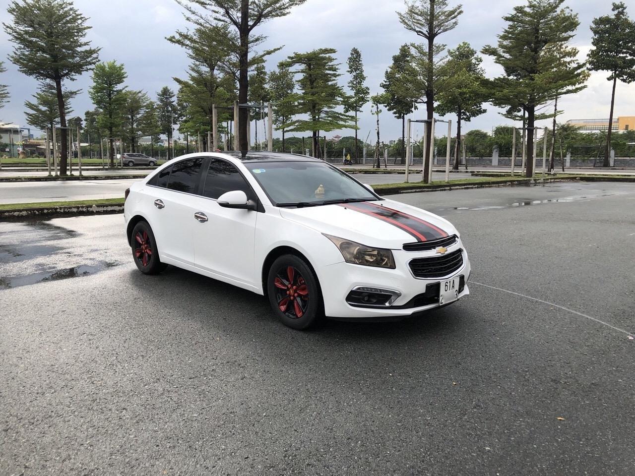 Bán Chevrolet Cruze 1.6LS sản xuất 2016, màu trắng xe nhà bán lại 378 triệu (2)