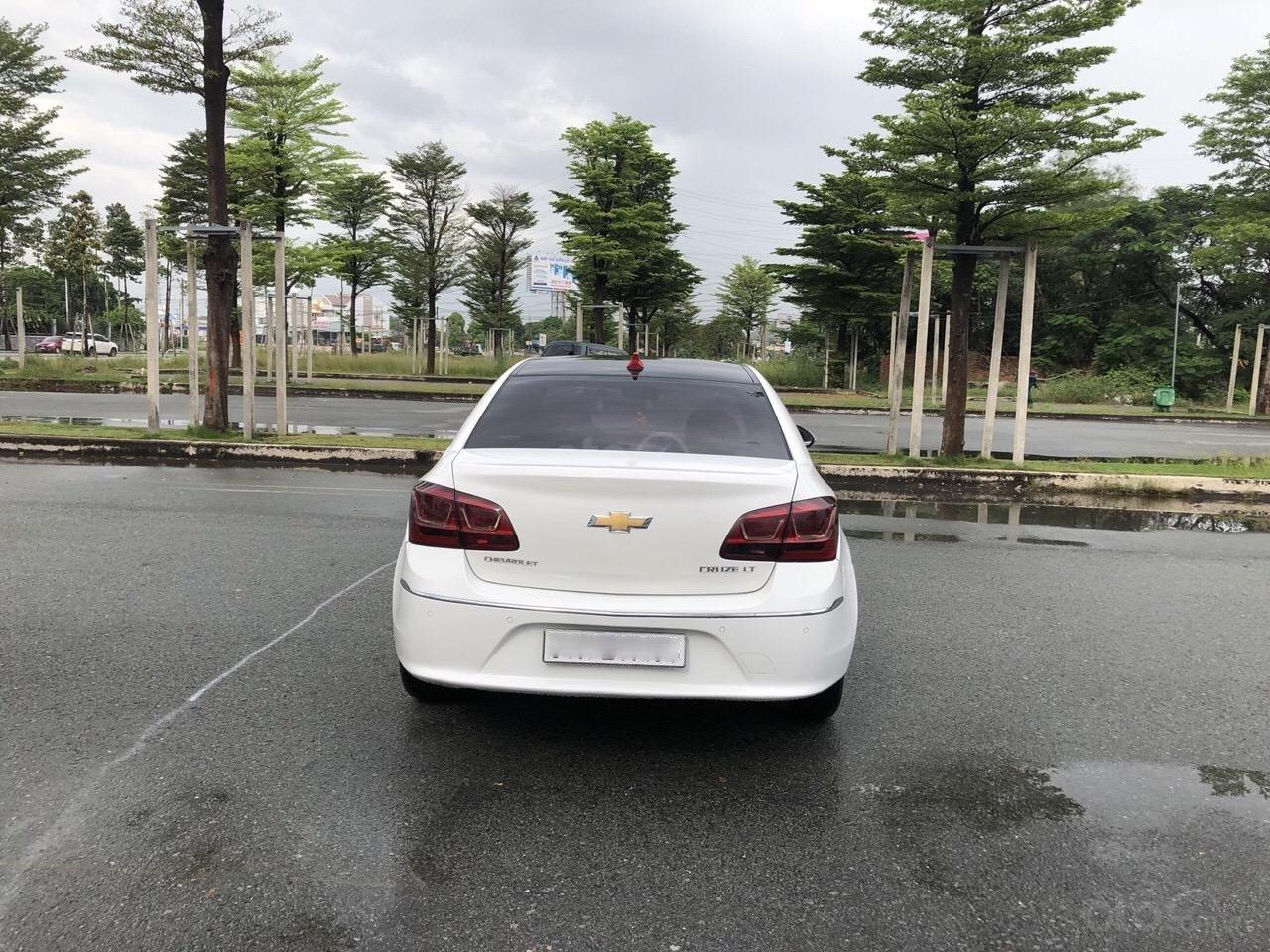 Bán Chevrolet Cruze 1.6LS sản xuất 2016, màu trắng xe nhà bán lại 378 triệu (3)