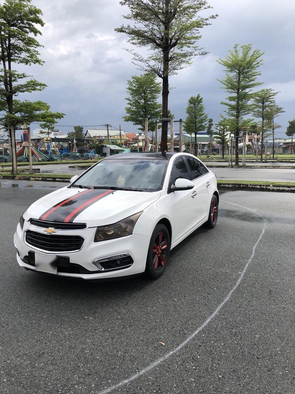 Bán Chevrolet Cruze 1.6LS sản xuất 2016, màu trắng xe nhà bán lại 378 triệu (4)