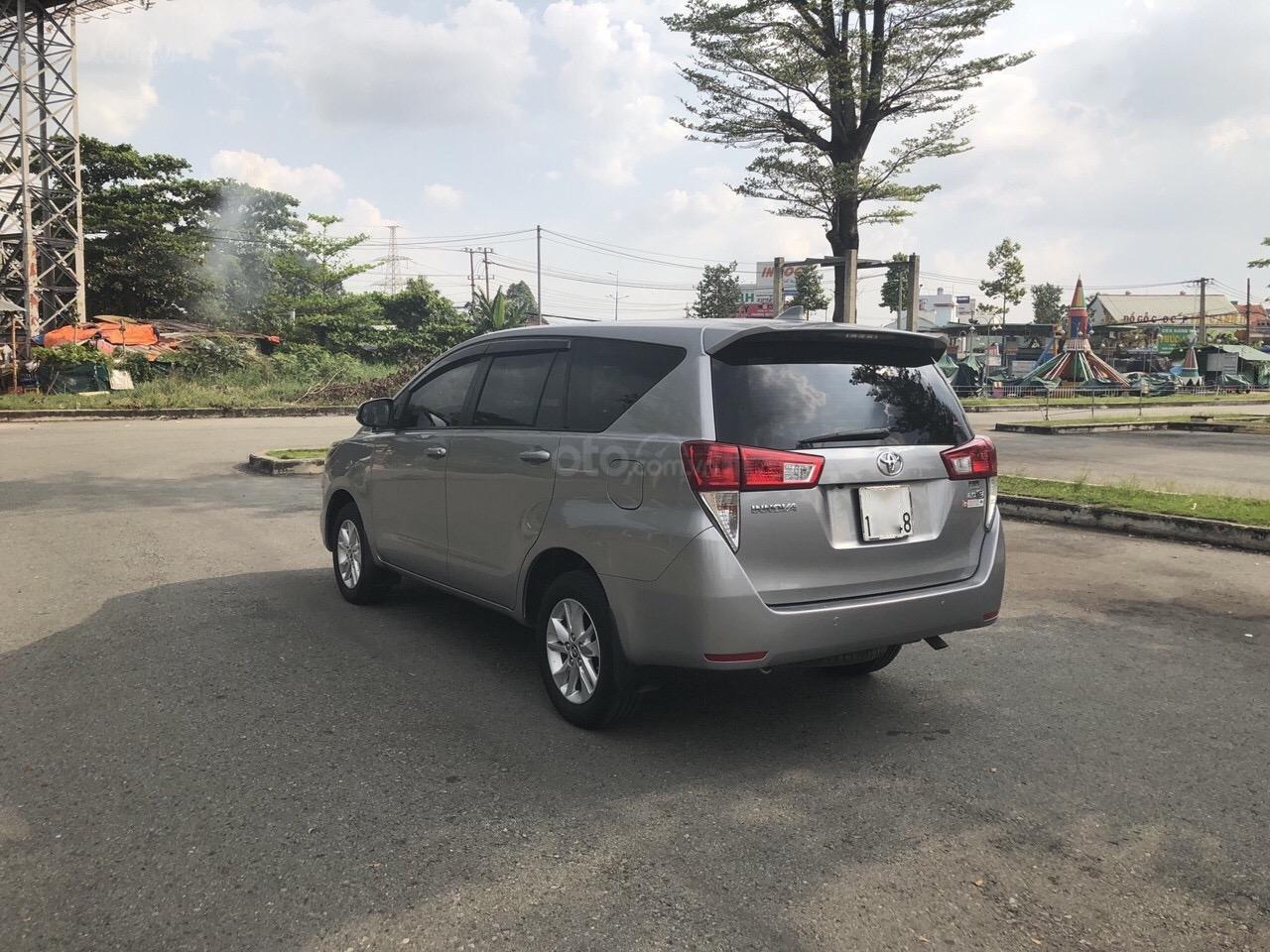 Bán Toyota Innova 2.0E năm 2017, xe trang bị đầy đủ bán lại giá 660 triệu (4)