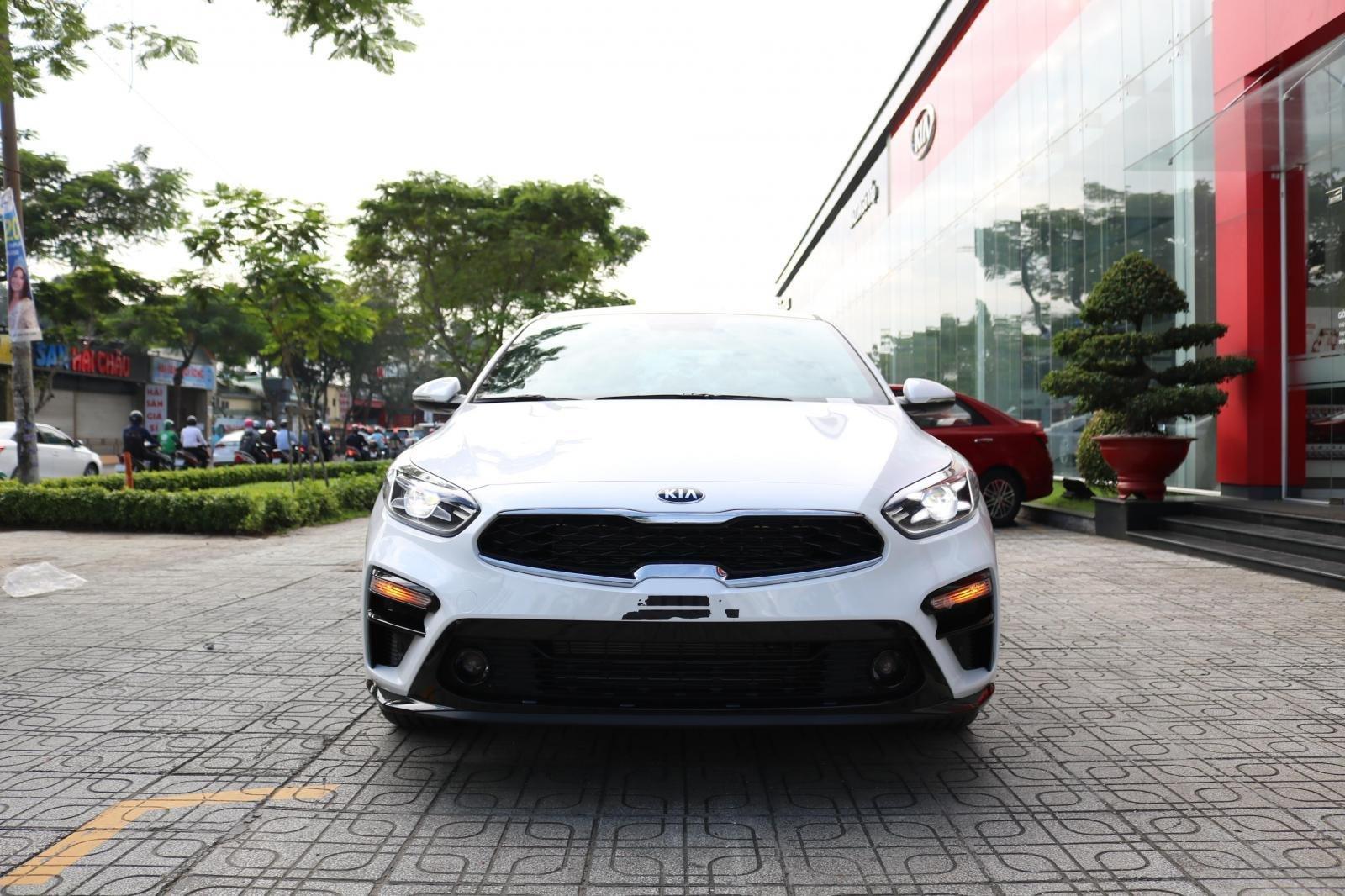 Kia Cerato 2019 - Màu trắng - mới 100% - giá tốt huyện Củ Chi (2)