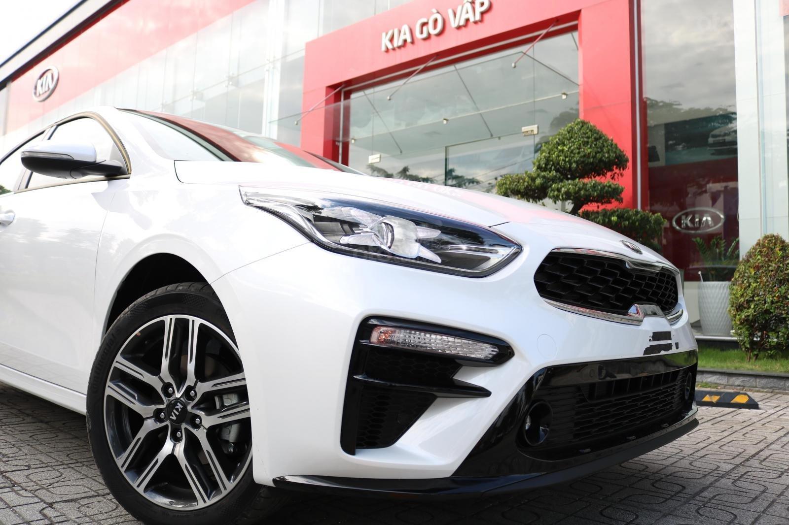 Kia Cerato 2019 - Màu trắng - mới 100% - giá tốt huyện Củ Chi (3)