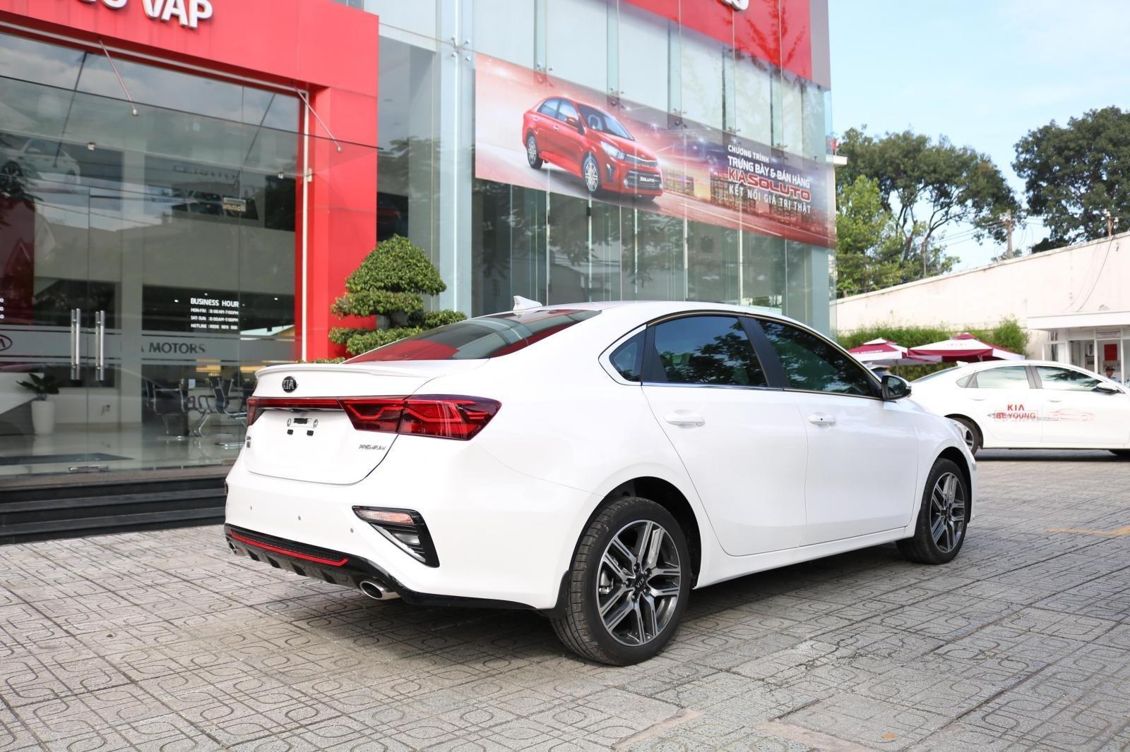 Kia Cerato 2019 - Màu trắng - mới 100% - giá tốt huyện Củ Chi (5)