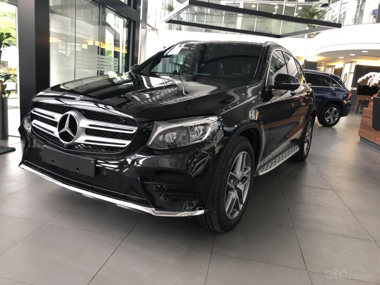 Mercedes GLC300 2019 đủ màu, xe giao ngay, tại Mercedes Phú Mỹ Hưng (1)