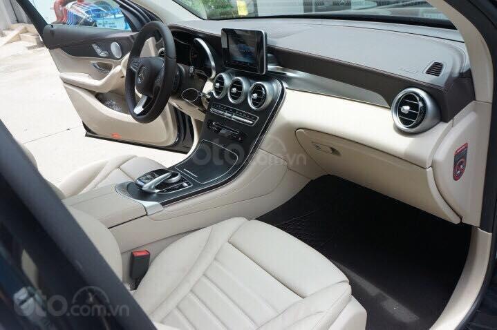 Mercedes GLC300 2019 đủ màu, xe giao ngay, tại Mercedes Phú Mỹ Hưng (12)