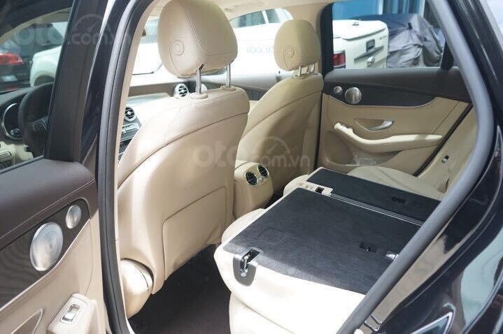 Mercedes GLC300 2019 đủ màu, xe giao ngay, tại Mercedes Phú Mỹ Hưng (15)