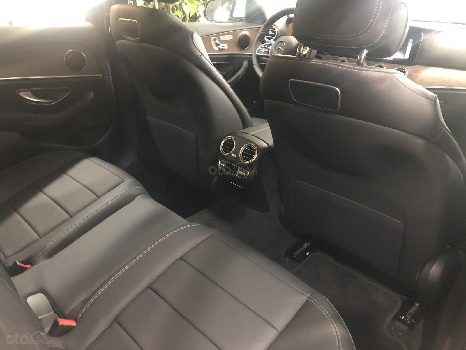 Mercedes E200 2019 đủ màu, giao ngay tại Mercedes Phú Mỹ Hưng (13)