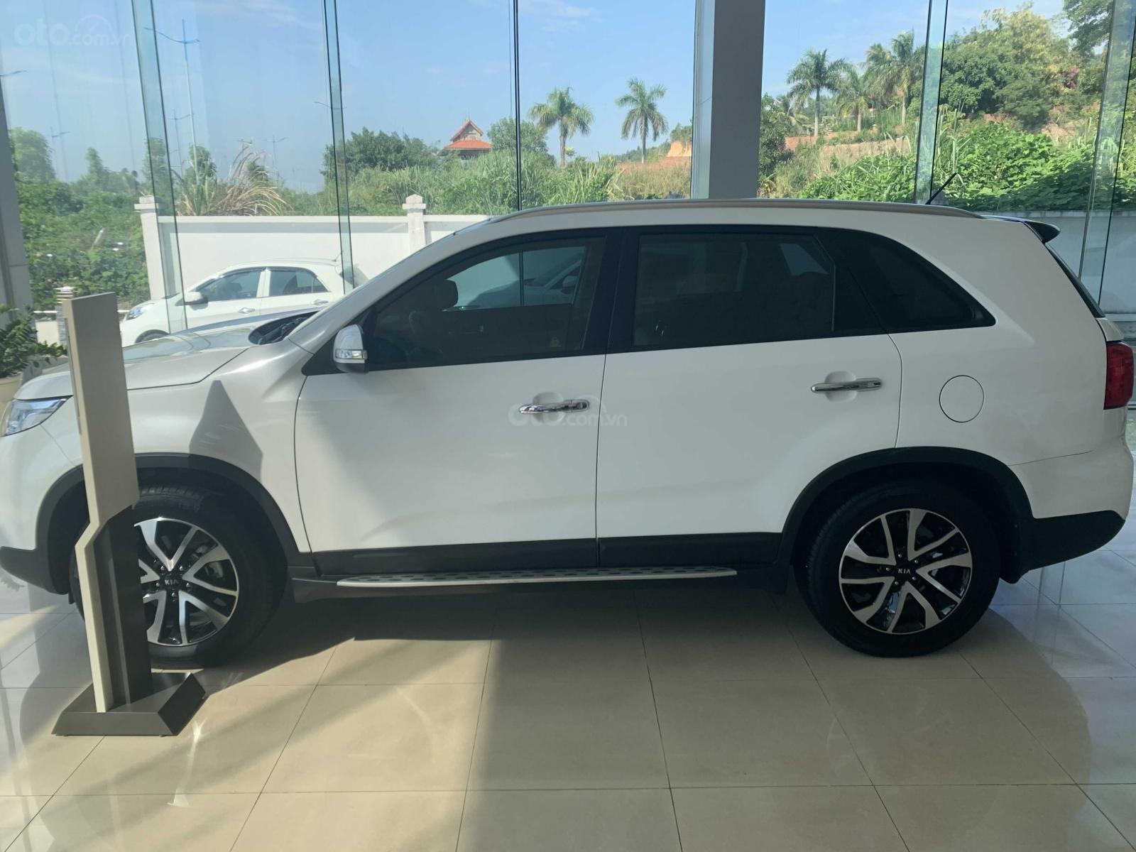 Bán ô tô Kia Sorento năm 2019, màu trắng (2)