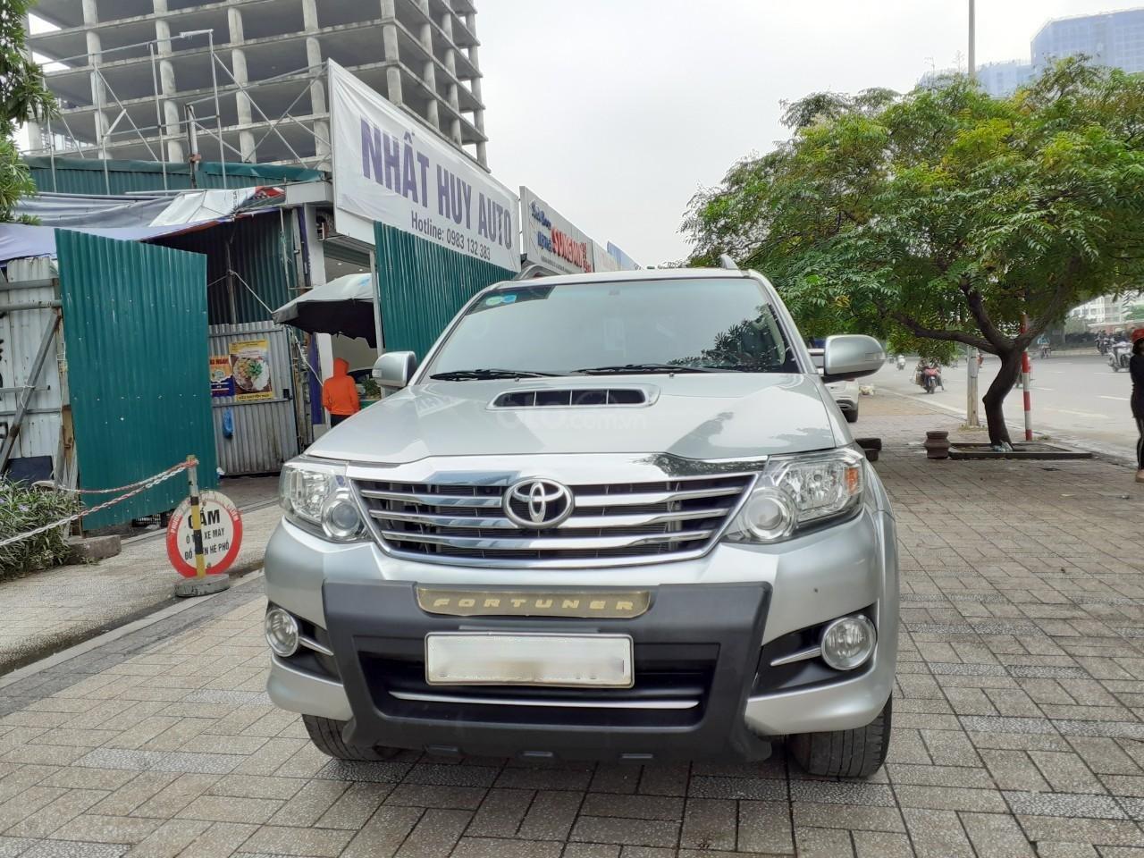 Bán Toyota Fortuner 2.5G sản xuất 2016, màu bạc (1)