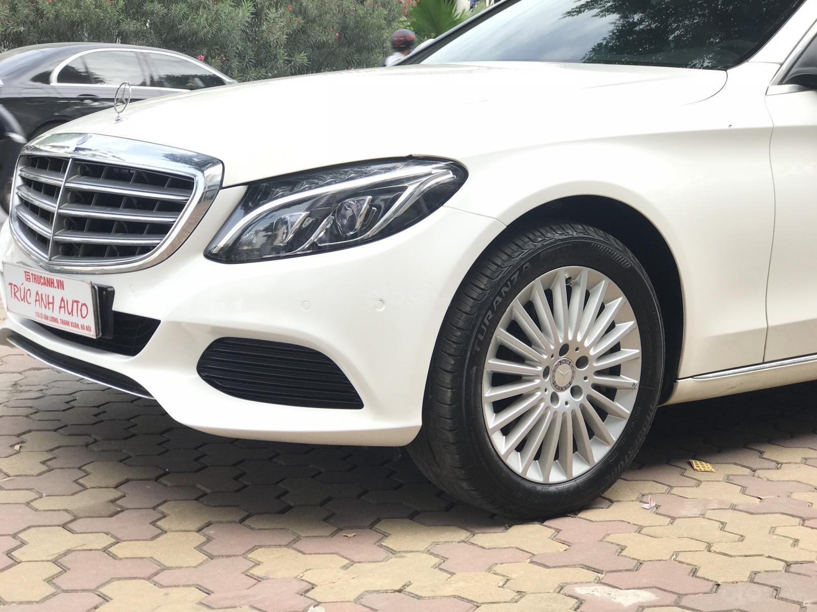 Mercedes Benz Exclusive C250 đời 2016, màu trắng nội thất kem tuyệt đẹp (5)