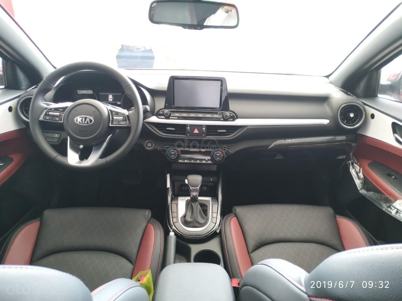 Kia Cerato 2.0 Prenium 2019, ưu đãi tháng 11 giảm giá cực sâu, tặng nhiều KM (TM PK) LH: 0389245245 (11)