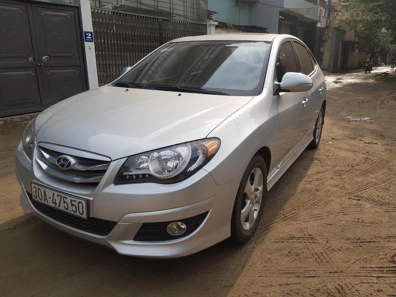 Cần bán Hyundai Avante năm sản xuất 2014, nhập khẩu (1)