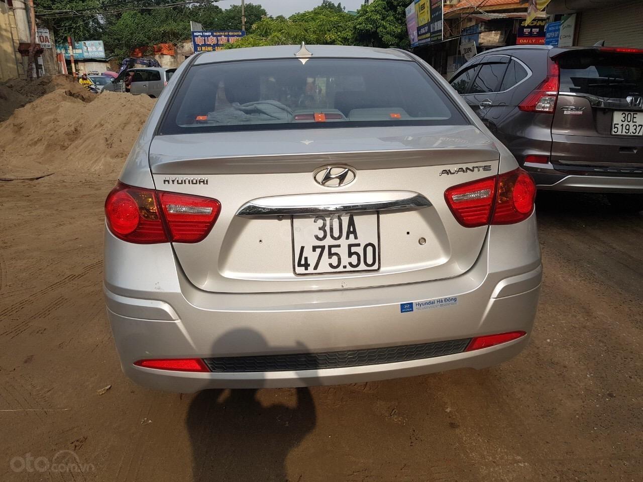 Cần bán Hyundai Avante năm sản xuất 2014, nhập khẩu (3)