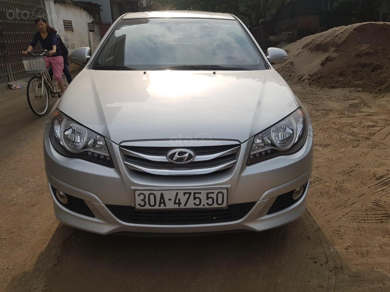 Cần bán Hyundai Avante năm sản xuất 2014, nhập khẩu (2)