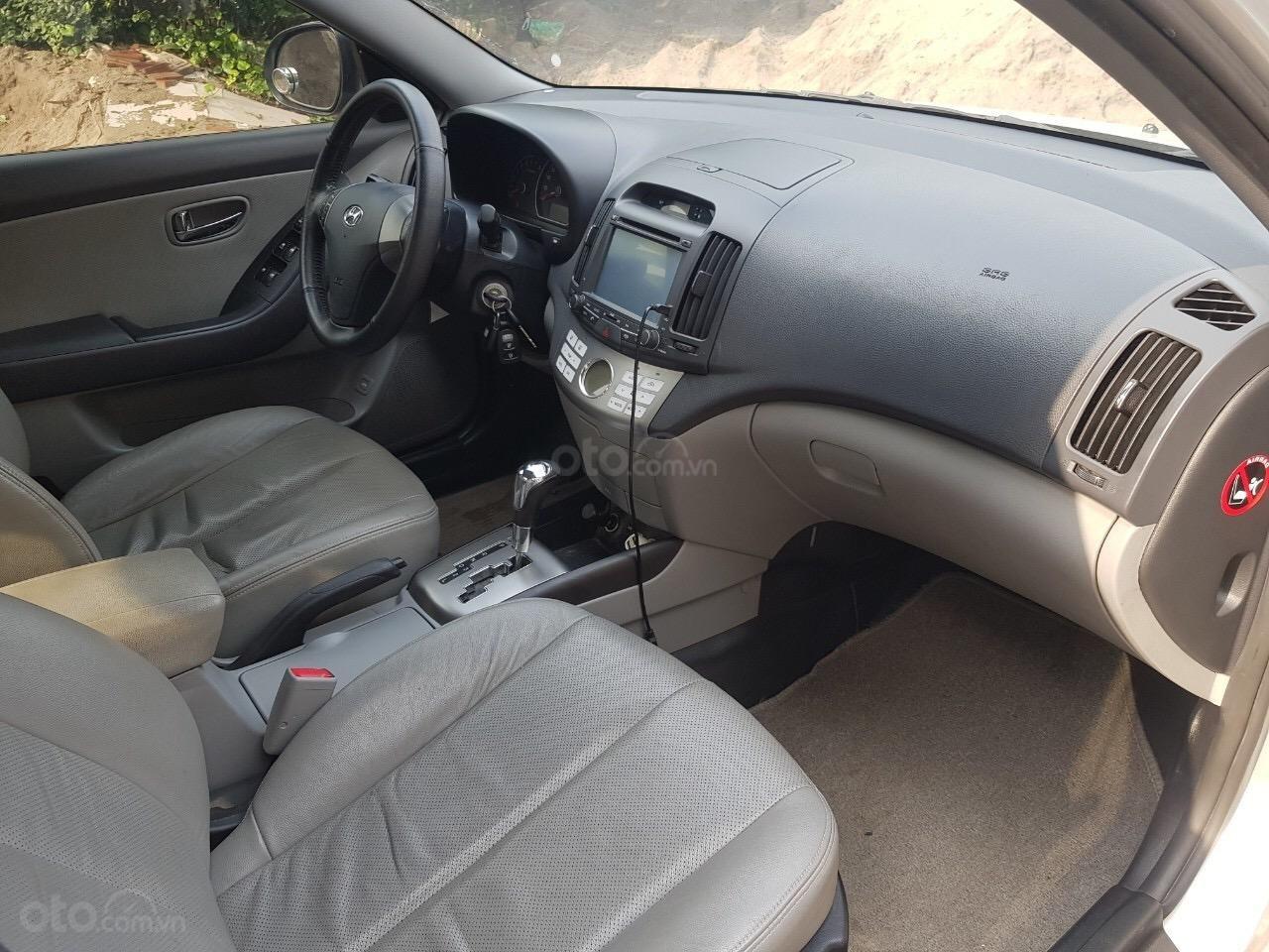 Cần bán Hyundai Avante năm sản xuất 2014, nhập khẩu (6)