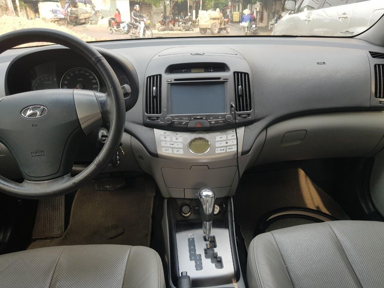 Cần bán Hyundai Avante năm sản xuất 2014, nhập khẩu (4)