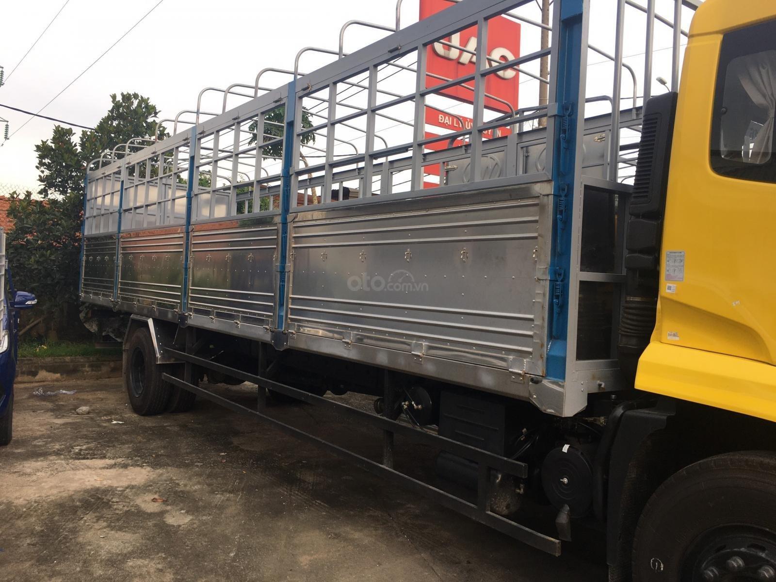 Xe Dongfeng B180 nhập khẩu nguyên chiếc sx 2019 thùng 9m6 (3)
