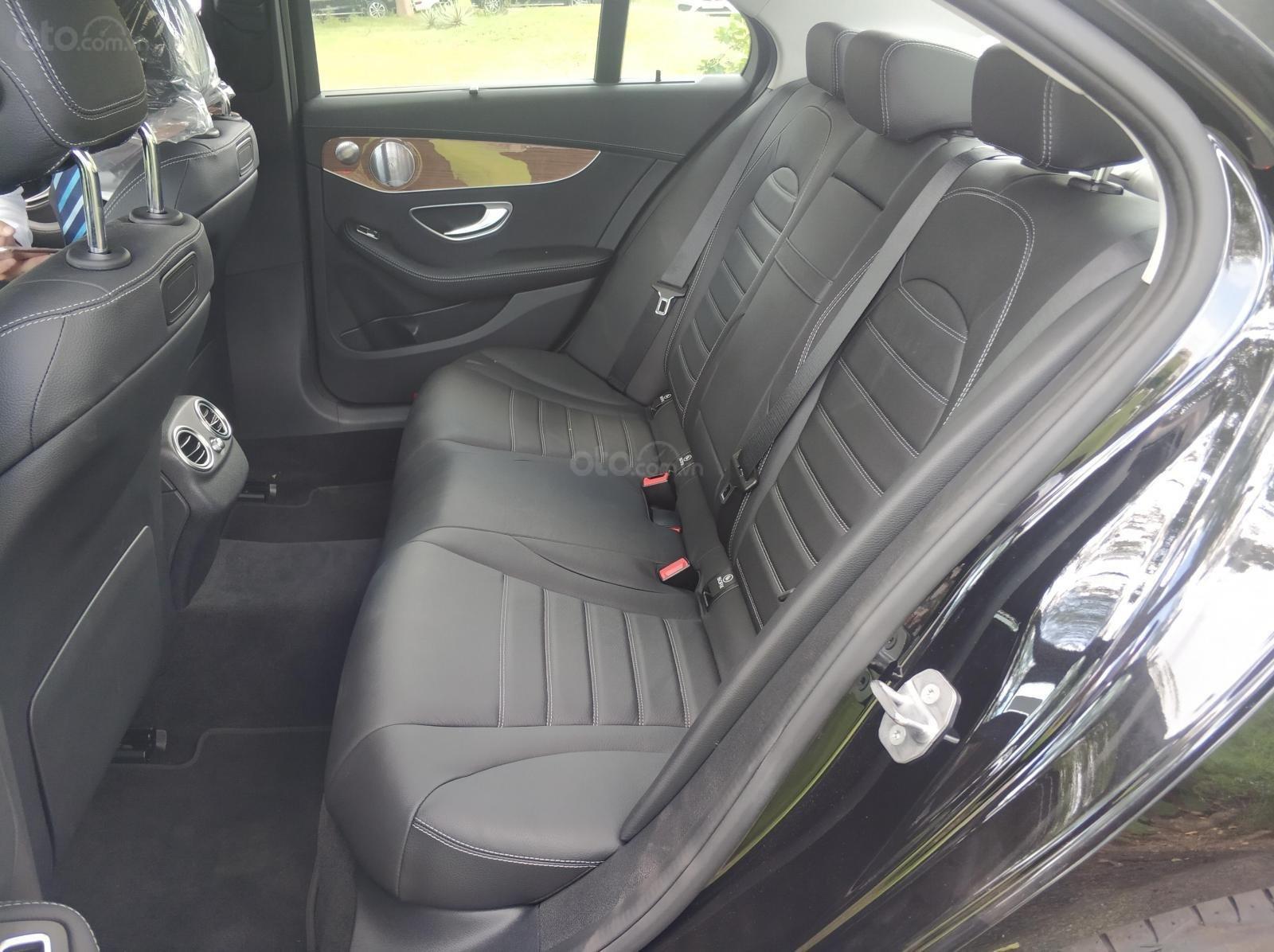 Cần bán xe C250 màu đen chính hãng có cam360 (6)