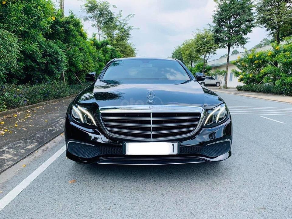 Bán xe Mercedes E200 màu đen, đời 2017 cũ giá tốt, trả trước 630 triệu nhận xe ngay (2)