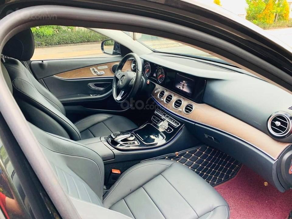Bán xe Mercedes E200 màu đen, đời 2017 cũ giá tốt, trả trước 630 triệu nhận xe ngay (5)