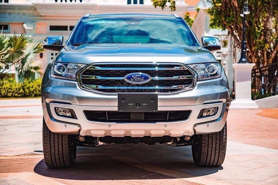 Ford Everest - Giá chỉ từ 939 triệu - trả trước 20% nhận xe ngay - lãi suất ưu đãi 0.69%/tháng (2)