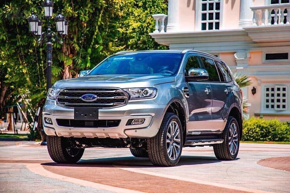 Ford Everest - Giá chỉ từ 939 triệu - trả trước 20% nhận xe ngay - lãi suất ưu đãi 0.69%/tháng (1)
