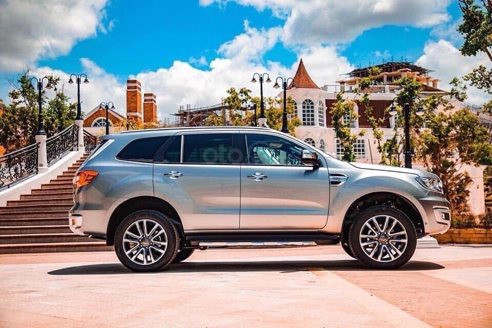 Ford Everest - Giá chỉ từ 939 triệu - trả trước 20% nhận xe ngay - lãi suất ưu đãi 0.69%/tháng (3)