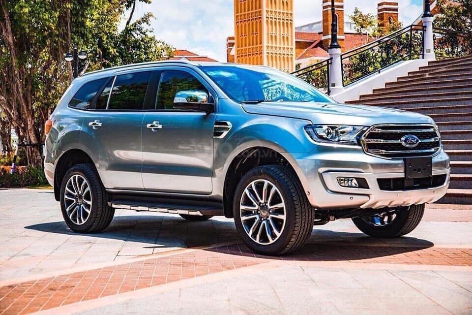 Ford Everest - Giá chỉ từ 939 triệu - trả trước 20% nhận xe ngay - lãi suất ưu đãi 0.69%/tháng (4)