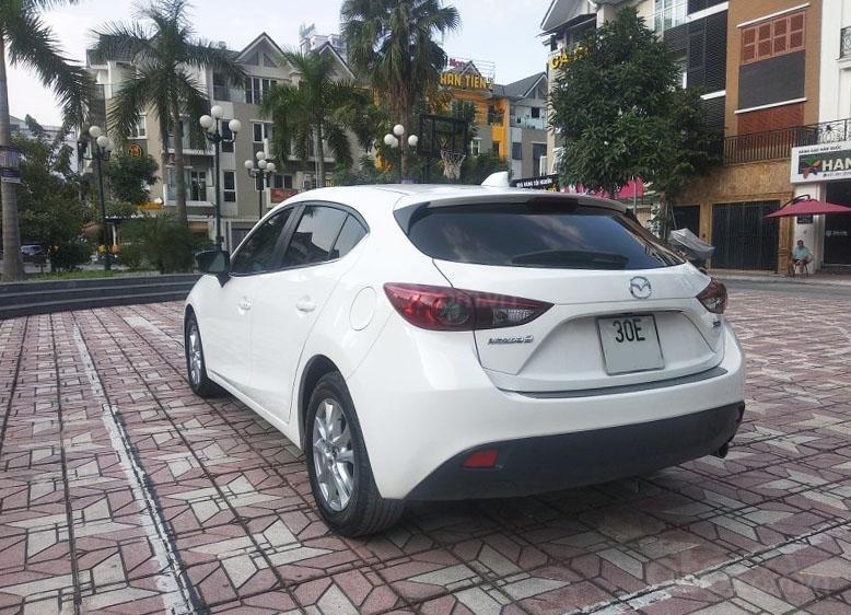 Bán Mazda 3 1.5AT đời 2017, màu trắng như mới, giá tốt (4)