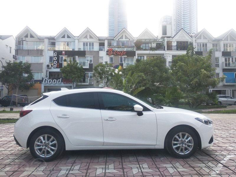 Bán Mazda 3 1.5AT đời 2017, màu trắng như mới, giá tốt (7)
