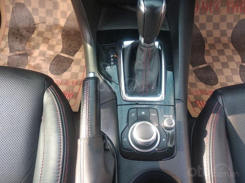 Bán Mazda 3 1.5AT đời 2017, màu trắng như mới, giá tốt (10)