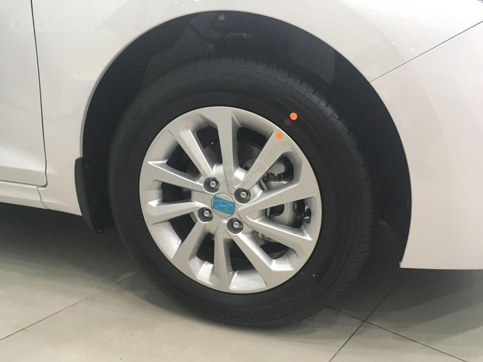 Hyundai Grand I10 sedan 1.2 AT số tự động, hỗ trợ Grab, taxi, trả trước chỉ từ 100 triệu, liên hệ 0931676801 (5)