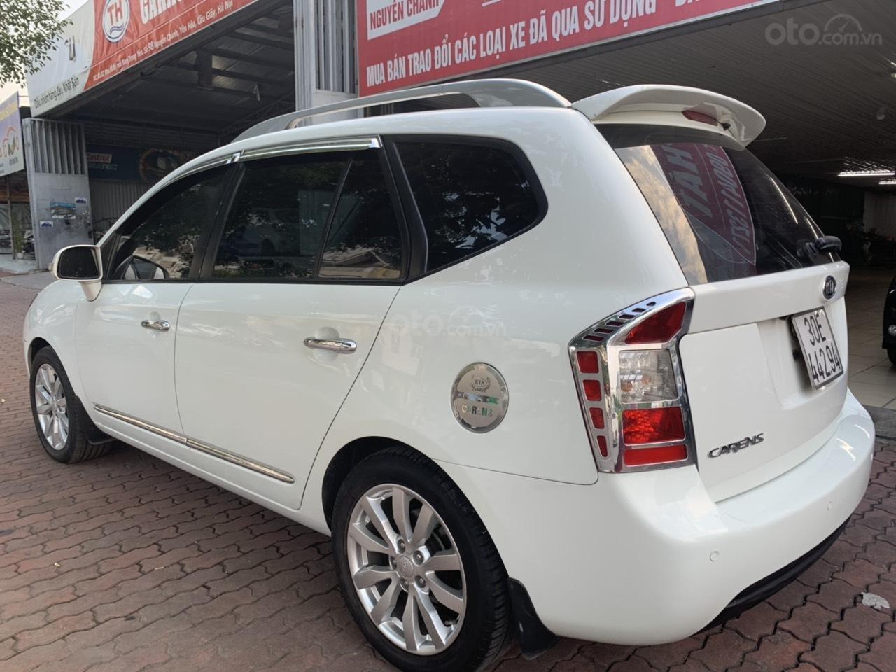 Bán xe Kia Carens 2.0AT năm 2011, màu trắng (8)