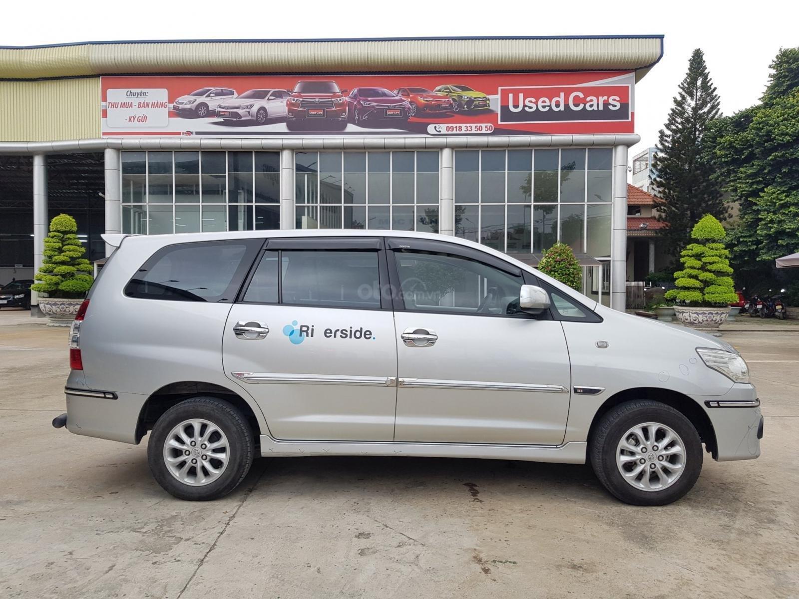 Chất xe tốt-giá mềm, Innova 2.0E 2014 số sàn, mẫu mới, màu bạc, hỗ trợ vay ạ (2)