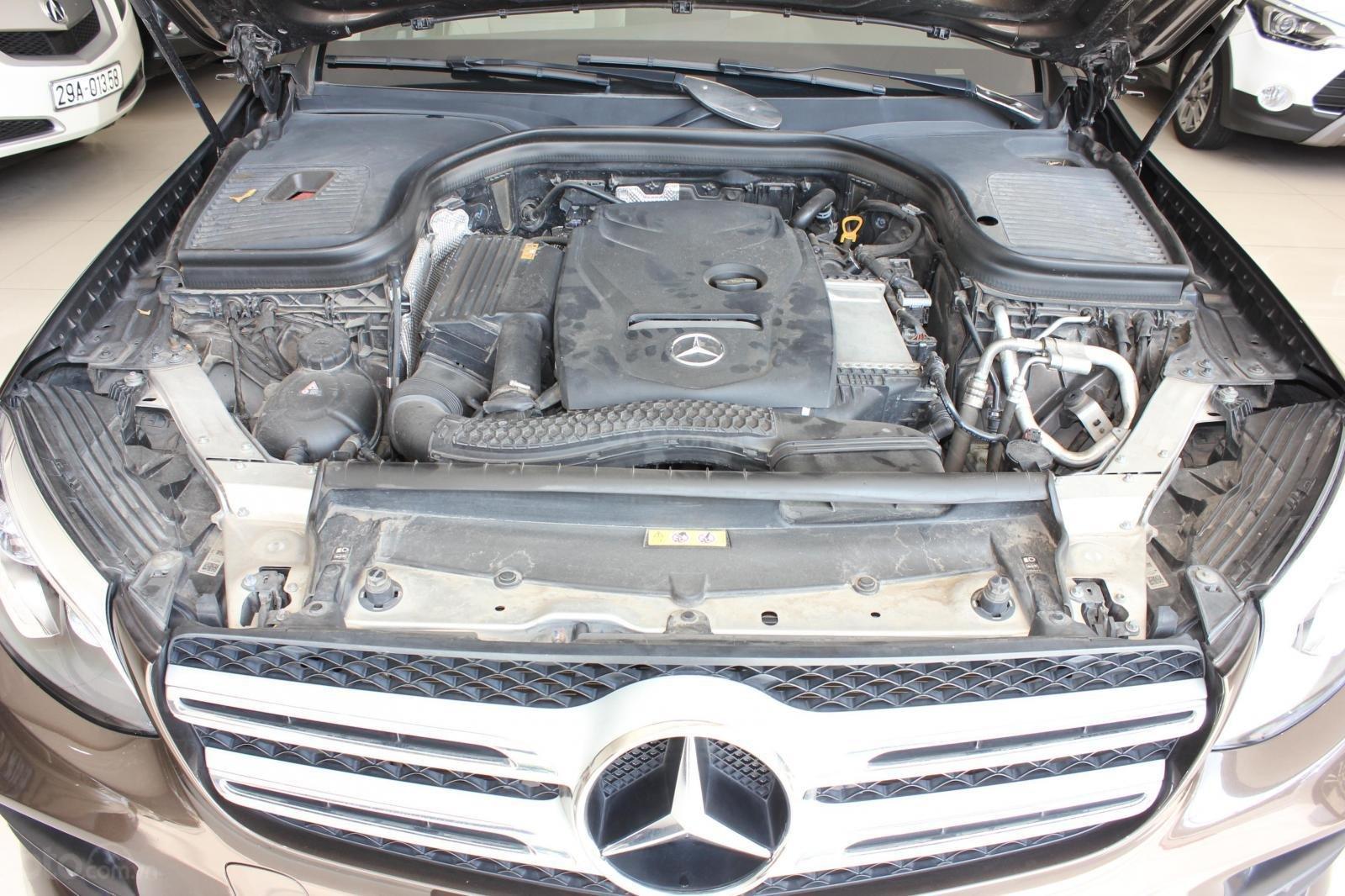 Bán ô tô Mercedes 300 năm sản xuất 2017, màu nâu (13)