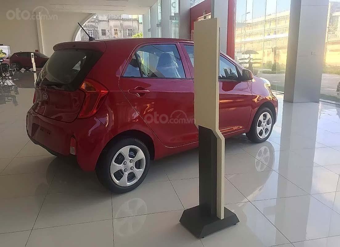 Bán ô tô Kia Morning MT sản xuất 2019, màu đỏ (2)
