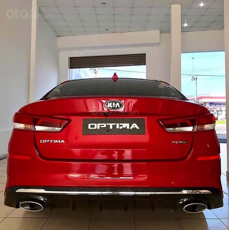 Cần bán xe Kia Optima 2.0 GAT sản xuất 2019, màu đỏ (5)