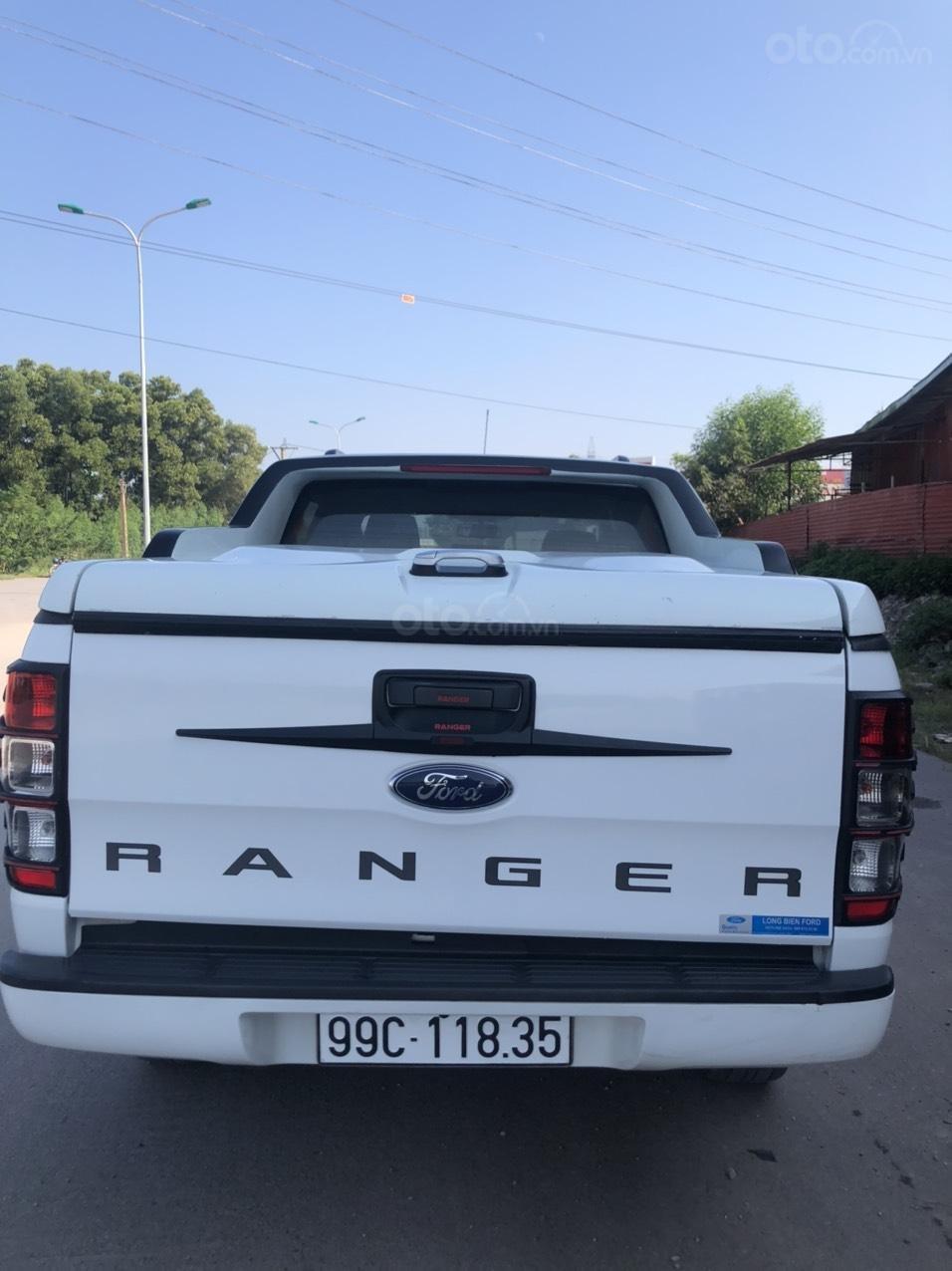 Cần bán gấp Ford Ranger đời 2017, màu trắng, nhập khẩu, giá tốt 550 triệu đồng (2)