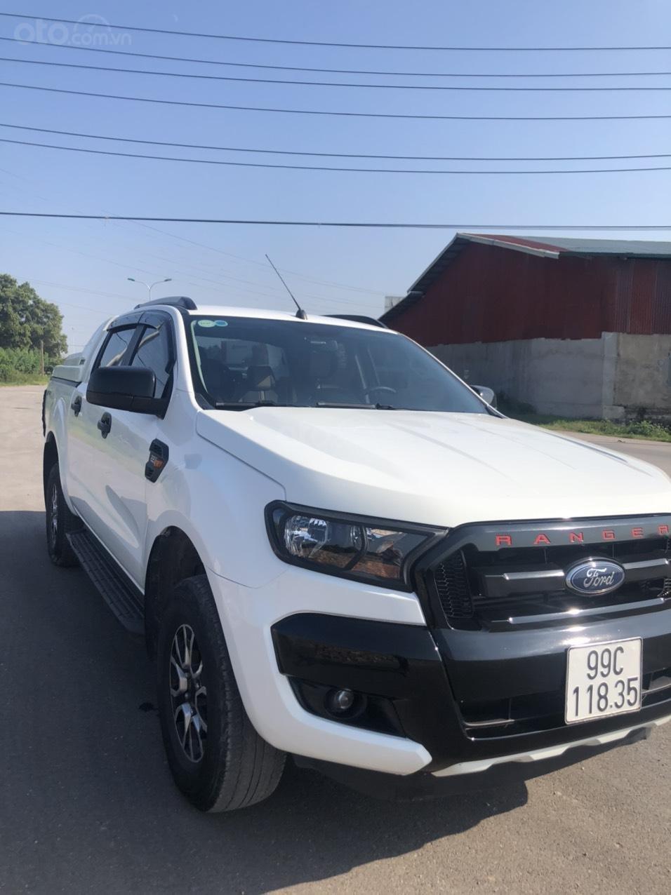 Cần bán gấp Ford Ranger đời 2017, màu trắng, nhập khẩu, giá tốt 550 triệu đồng (4)