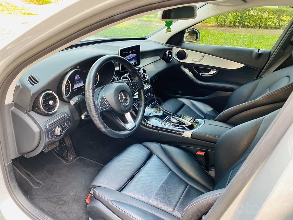 Bán xe Mercedes C200 màu bạc đời 2016, trả trước 400 triệu nhận xe ngay (4)