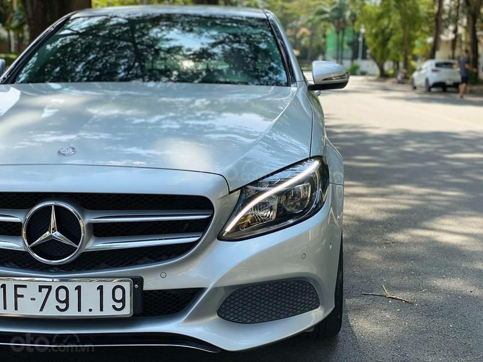 Bán xe Mercedes C200 màu bạc đời 2016, trả trước 400 triệu nhận xe ngay (8)